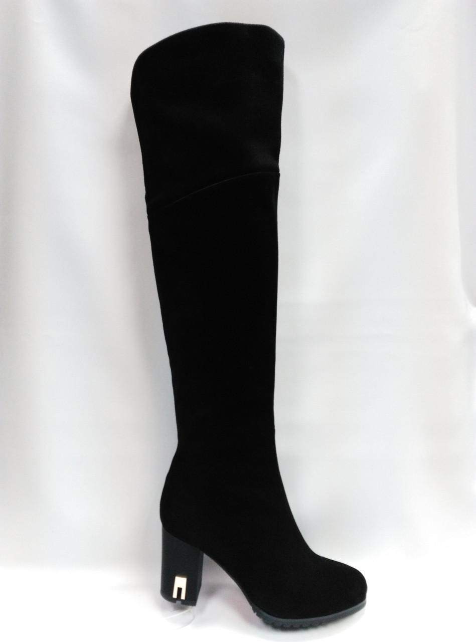 Черные замшевые зимние сапоги на каблуке. Ботфорды.