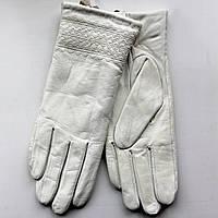 Женские перчатки лакированная кожа