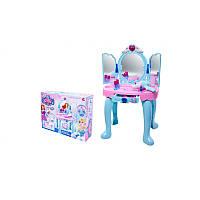 Столик для макияжа  в коробке