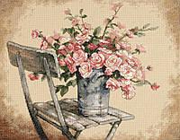 35187 Набор для вышивания крестом DIMENSIONS Розы на белом стуле