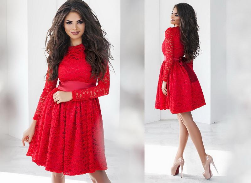 Красивое женское платье  +цвета