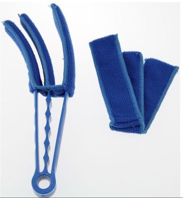 Удобная щётка для удаления пыли с жалюзи и радиаторов