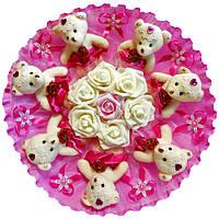 Букет из 7 мягких игрушек Мишки с розами в органзе