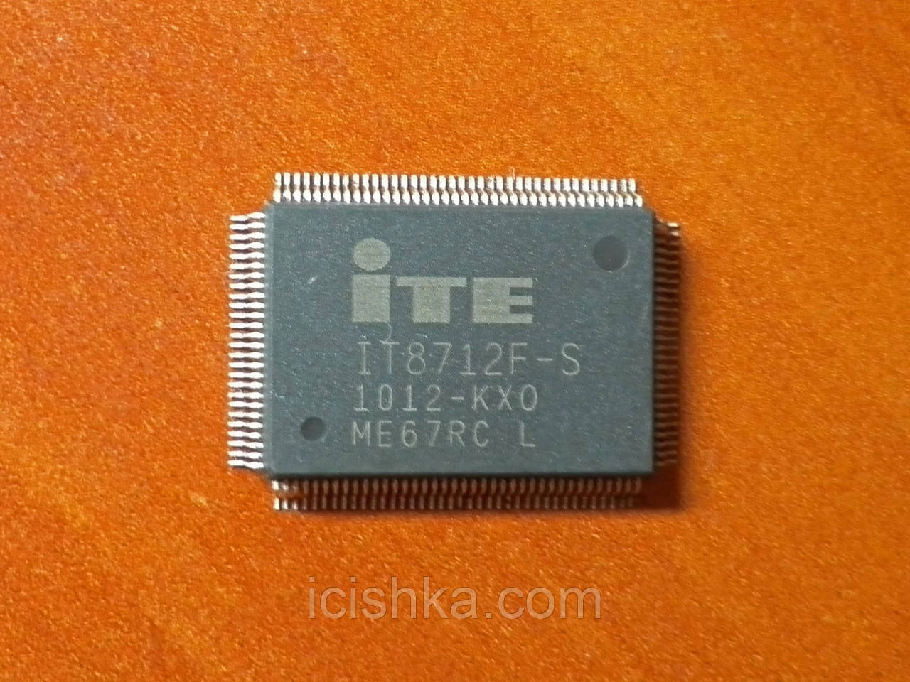 ITE IT8712F-S KXO - Мультиконтроллер