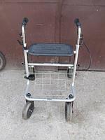 Ходунки  для реабилитации или пожилых людей на колесах с сидением в хорошем состоянии Meyra  Германия