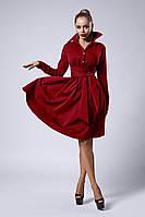 Трикотажное женское платье с поясом, бордовое