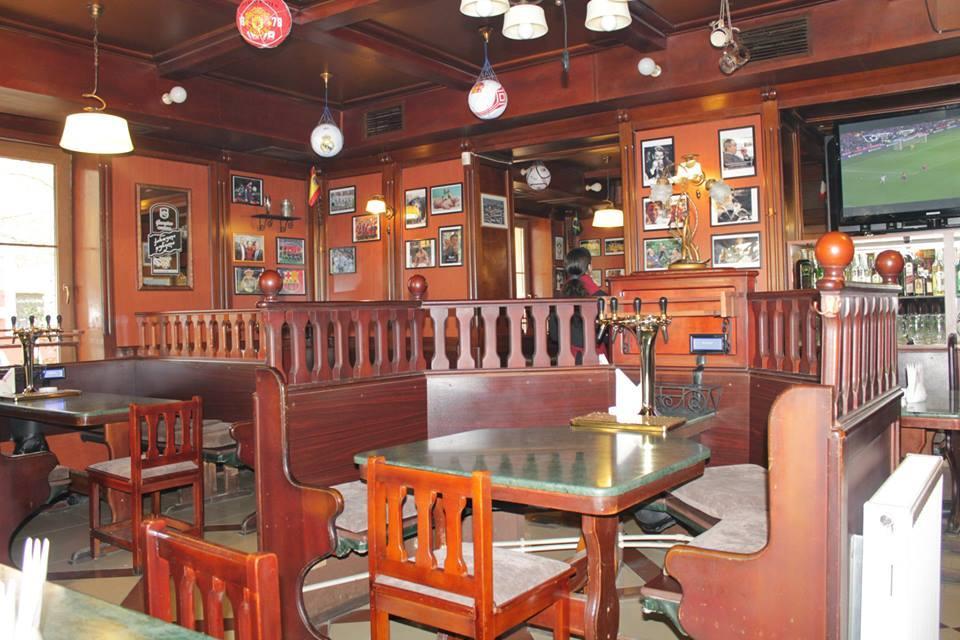 Столики самообслуживания в ресторане Galway Pub, Тбилиси, 2013 год