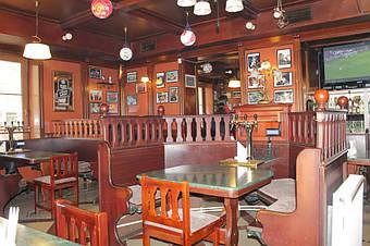 Столики самообслуживания в ресторане Galway Pub, Тбилиси, 2013 год 1