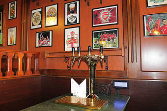 Столики самообслуживания в ресторане Galway Pub, Тбилиси, 2013 год 4