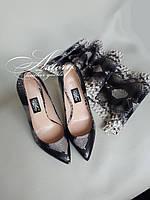 Женские туфли на каблуке из натурального питона