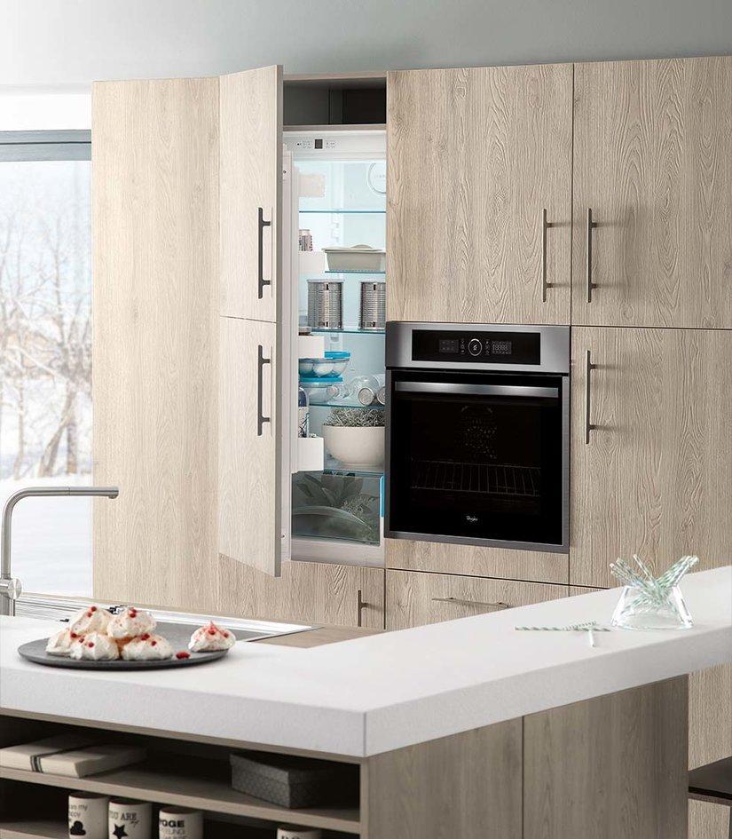 Кухня на заказ BLUM-058 краска по RAL каталогу