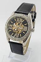 Женские механические наручные часы Omega серебристые с камнями с черным ремешком