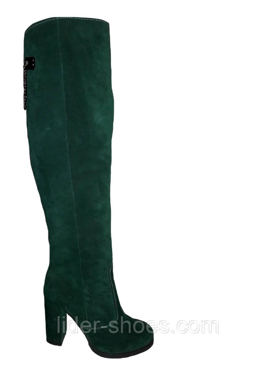 Женские зимние ботфорты на каблуке