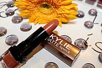 Матовая помада №010 KYLIE lipstick
