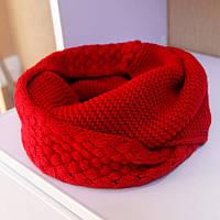 Стильный теплый вязанный женский шарф-хомут снуд с двойным типом вьязки красного цвета