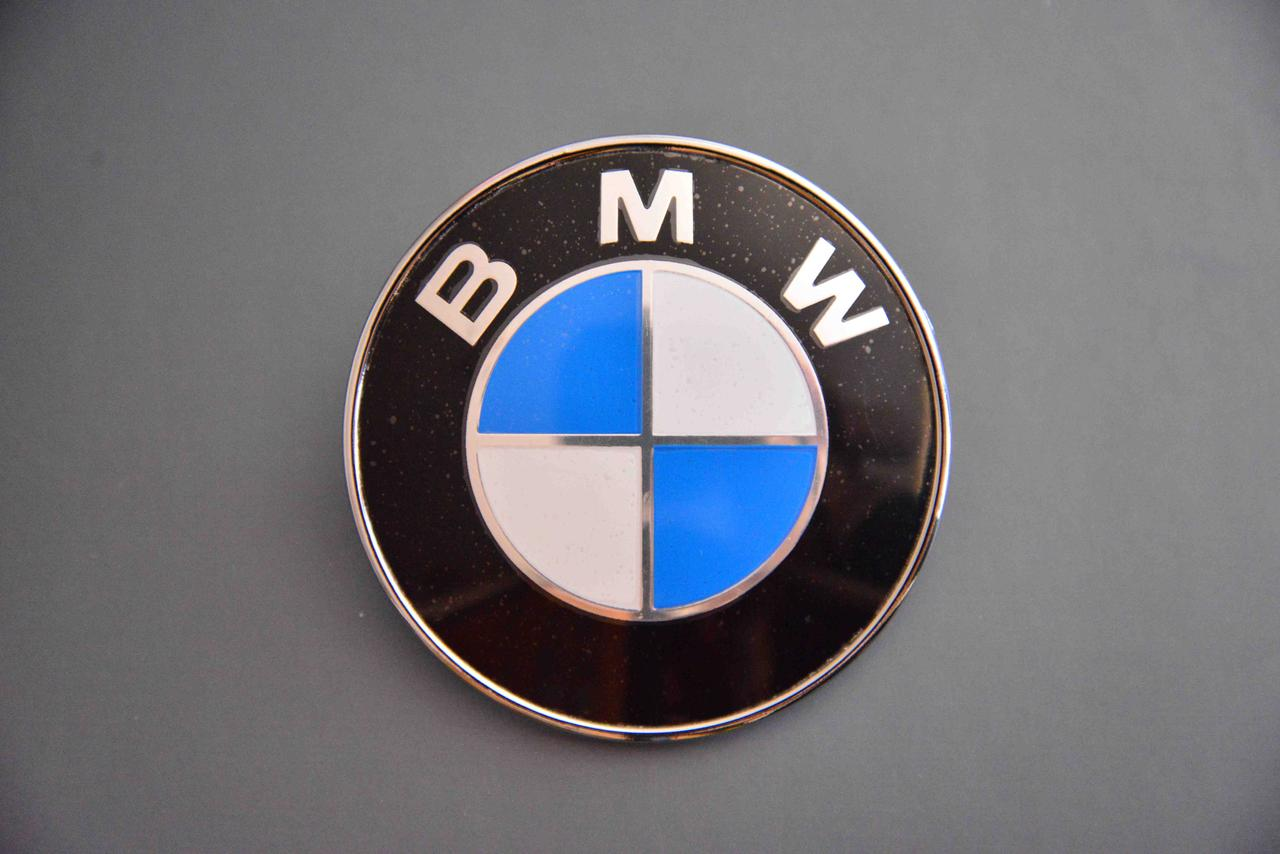 Эмблема логотип BMW   БМВ   74 мм на капот багажник
