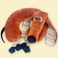 Мягкая игрушка в форме подголовника Такса, Возможно нанесение логотипа
