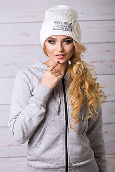 Модная женская шапка с отворотом