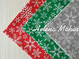 Отрез новогодней ткани Снежинки на красном фоне, фото 3
