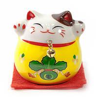 Кошка Манэки-нэко желтая (5х5х5 см)