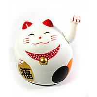 Кошка Манэки-нэко машущая лапой пластик (12х11х10,5 см) (батарейки в комплект не входят)