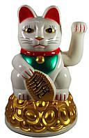 Кошка Манэки-нэко машущая лапой пластик (16х10,5х10,5см) (батарейки в комплект не входят)