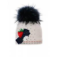 Шерстяная шапочка для девочки Ева с аппликацией в виде клубнички