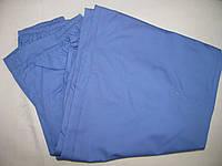 Медицинские штаны из коттона голубого цвета.