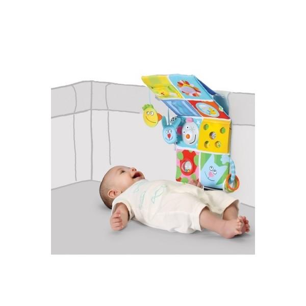 Развивающий центр для кроватки Весёлые друзья со звуком и светом Taf Toys