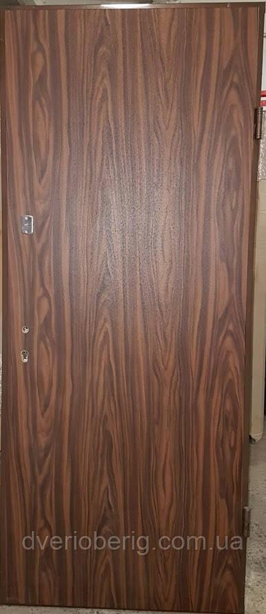 УЦЕНКА Входная дверь модель П2-гладкая / 124 vinorit-40