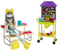 Кукла Фрэнки Штейн из серии Школьный дух обед Плейсет School Spirit Frankie Stein Doll Lunch Playset - Grey