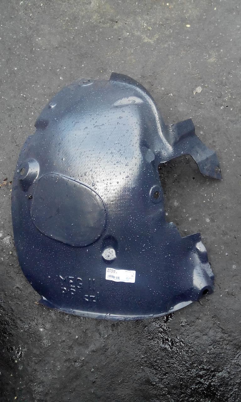 Подкрылок передний правый пер.часть Рено Меган 2