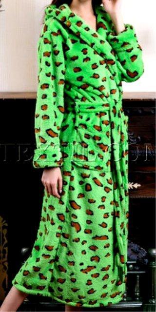 2ffa407f37b51 Женский махровый длинный халат с капюшоном : продажа, цена в ...