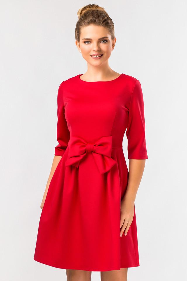 Красное платье из полиэстера