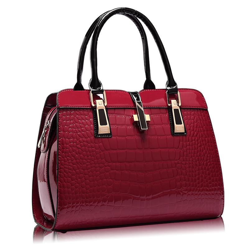 Женская лаковая сумка. Сумочка. Клатч.