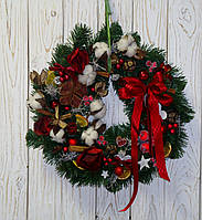 Венок новогодний в бордовых тонах с розами и сухоцветами 42-45 см