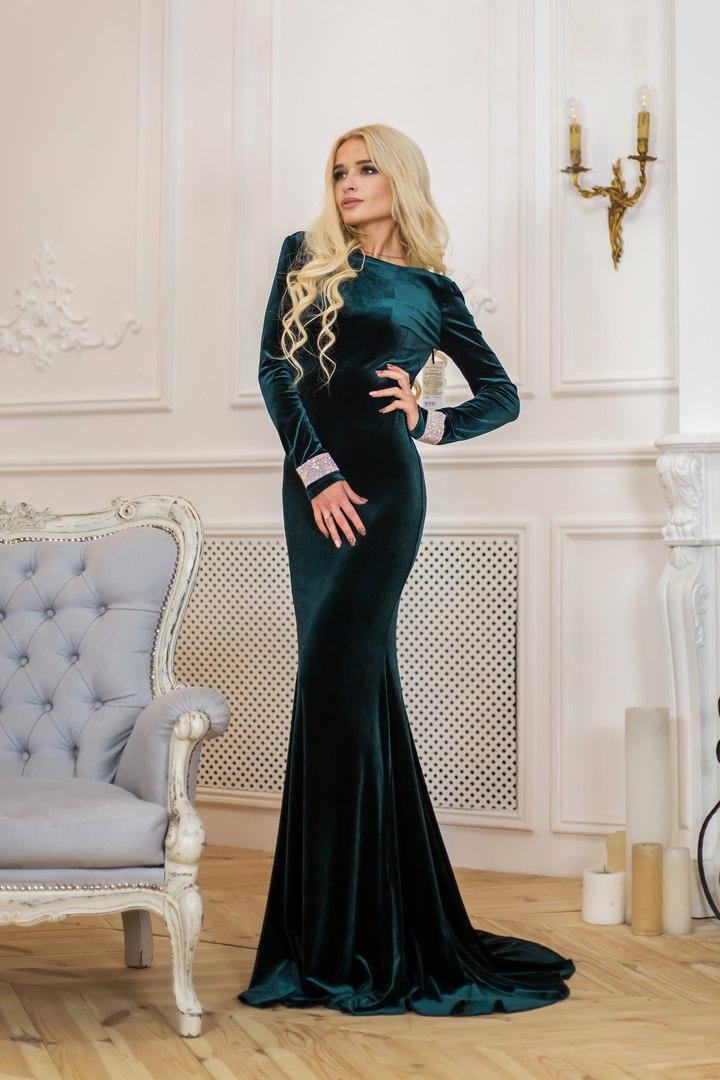 Шикарное вечернее платье из ткани королевский бархат Р 1552  продажа ... 0176a2e5537