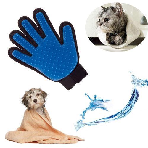 Перчатка щетка для чистки животных True Touch