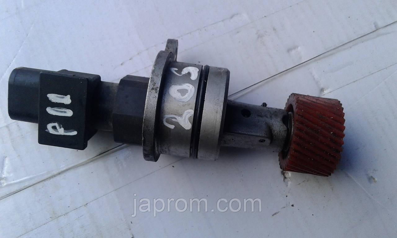 Датчик скорости привод спидометра 250102F000 Nissan P11 Terrano 2 бензин 1.6/1.8 на 34 зуба