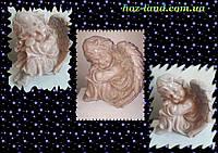 Скульптура из мрамора Ангел грустит №16 (кремовый) 24 см.