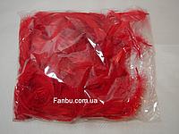 Яркие декоративные красные перья в пакете
