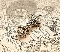 Амулет Ваджра четыре лепестка белый металл