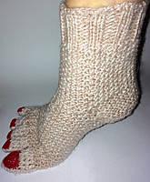 Носочки вязанные с педикюром