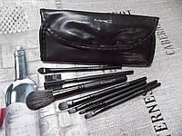 Кисти для макияжа в черном чехле MAC 7 штук