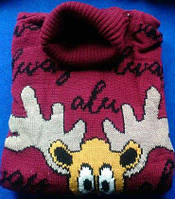 Женский свитер с оленями бордовый