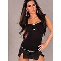 Черный секси-топ с мягкими драпировками и украшением