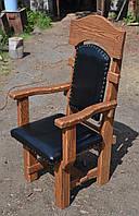 Кресло под старину с оббивкой кожзам