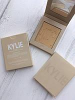 Хайлайтер Kylie Pressed Illuminating Powder