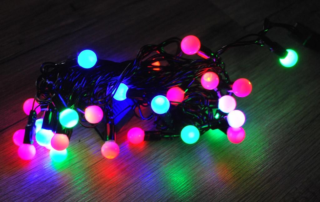 Новогодняя гирлянда с фигурками, шарики 100 Led 1,6 см 10,75метра