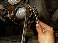 Замена фильтра топливного подвесного